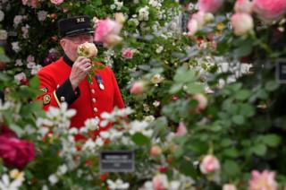 A Chelsea Pensioner at Chelsea Flower Show