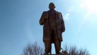 Lenin, Tacikistan, heykəl