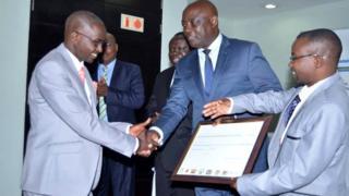 Emile Nsengiyumva yakira agashimwe gatangwa na EAC nad FAO