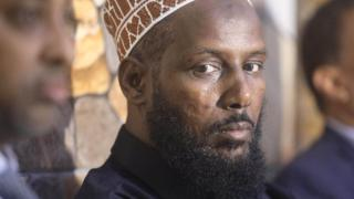 Former al-Shabab leader Mukhtar Robow attends a news conference in Baidoa, Somalia November 4, 2018