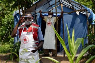 Medical personnel on the border with Uganda
