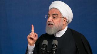 روحانی: اساتید ما هرچقدر هم مقاله بخوانند، باز هم از علم روز عقب هستند.