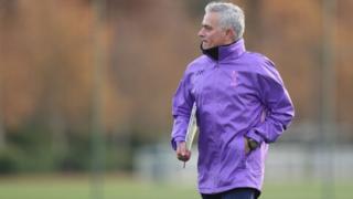 Mourinho en su primer entrenamiento con el Tottenham.