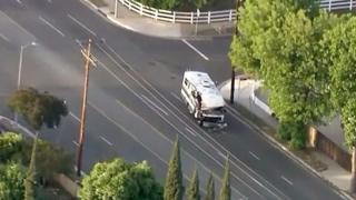 بالفيديو: شرطة لوس إنجليس تطارد شاحنة مسروقة