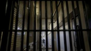 زندان- عکس تزئینی