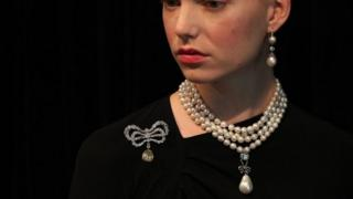Model wears Queen Marie Antoinette's pearl necklace, which is up for auction in Geneva on 14 November 2018
