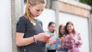 رائل کالج آف سائکیاٹرسٹس رواں سال ٹیکنالوجی کے استعمال اور بچوں کی اعصابی صحت سے متعلق اپنے موقف پر رپورٹ شائع کرنے کا ارادہ رکھتا ہے۔