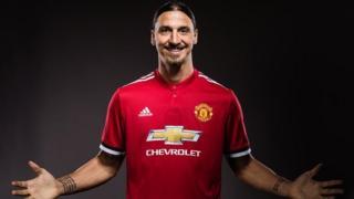 Zlatan Ibrahimovic ya buga wa United wasa 46 ya kuma ci kwallo 28 a kakar bara.