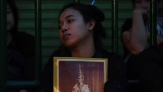 Thai mourners