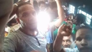 Beberapa orang yang ditangkap kemudian dibawa ke Polres Jayapura
