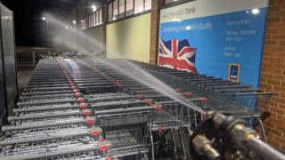 Cleaning shopping trolleys