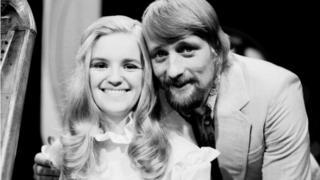 Tony ac Aloma ar raglen Disc a Dawn yn y 1970au