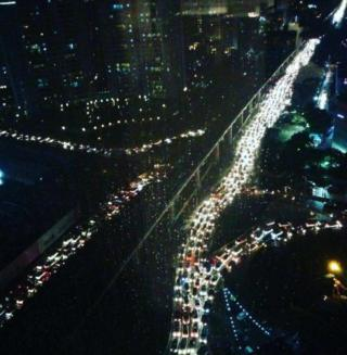 Thousands of people were stuck for six to seven hours in traffic on Thursday night