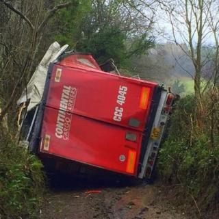 Lorry stuck in Trostrey, Gwehelog Fawr