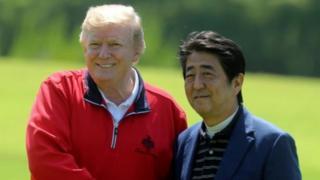 Ông Trump và ông Abe chơi golf hôm Chủ Nhật 26/5/2019