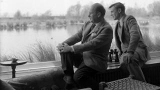 Peter Scott and David Attenborough in Scott house studio 1962