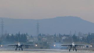 Rusya'nın Suriye'de bulunan Sukhoi Su-25 savaş uçakları