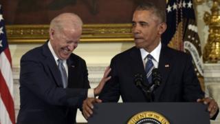 Joe Biden da Barack Obama