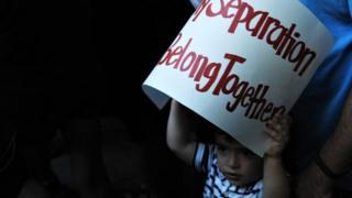 டிரம்பின் நிர்வாகத்திற்கு எதிராக 17 அமெரிக்க மாகாணங்கள் வழக்கு