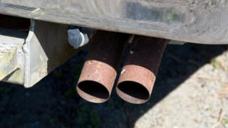Lorry exhaust pipe