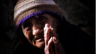 Mujer peruana de 98 años en las fiestas de Antonio de Padua, en Cajamarca.