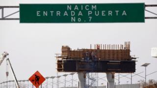Construcción del aeropuerto de México.
