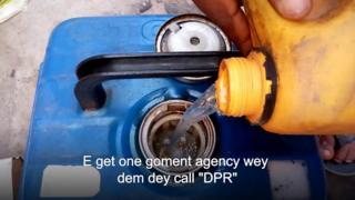 Fuel dey pour inside generator