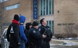 Nhiều cuộc điện thoại đến cảnh sát khi vụ xả súng bắt đầu xảy ra
