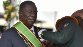 Mnangagwa ngo ari ku butegetsi bidaciye mu mategeko, niko Mugabe yavuze