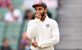 विराट कोहलीकडे भारतीय टेस्ट संघाची धुरा आहे