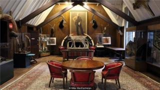 探险家俱乐部位于纽约的总部存放着大约1000件藏品,它们都是该俱乐部的会员收藏的。