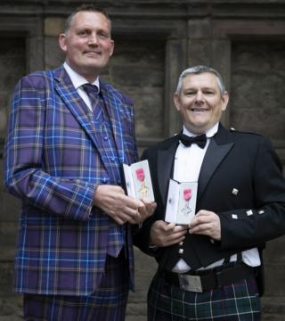 Doddie Weir (left) and John Davidson at the ceremony