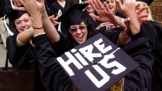 Chúng ta đã không làm tốt việc dạy sinh viên và sinh viên sắp tốt nghiệp cách ứng xử ở môi trường văn phòng?