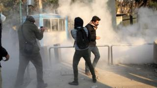 محتجون في إيران