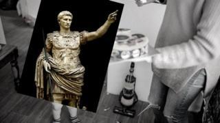Август, первый римский император, умер, когда ему было 75