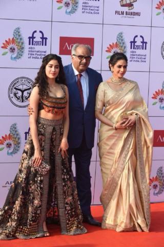 سری دیوی اپنی بیٹی اور شوہر کے ساتھ