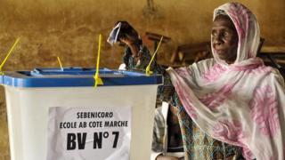 Des candidats réclament des ''résultats justes'' au Mali
