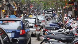 Một lượng lớn nhân viên các hãng taxi truyền thống phải nghỉ việc.
