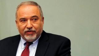 "Avigdor Lieberman memperingatkan Israel akan ""merusak langkah penangkisan dalam jangka panjang""."