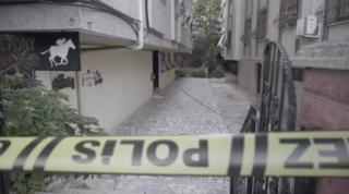 Aynı aileden biri çocuk üç kişinin ölü bulunduğu ev
