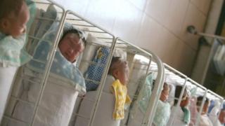 أطفال في مستشفى