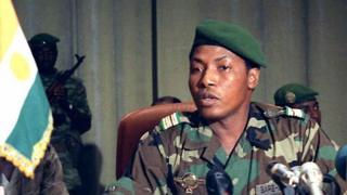 Cette photo prise le 31 janvier 1996 montre le colonel Ibrahim Bare Mainassara du Niger lors d'une réunion à Niamey.