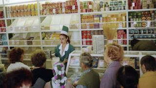 Очереди в продуктовых магазинах, 1998 год