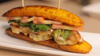 Chicken sandwiched with roasted plantain