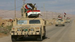 آلية عسكرية تابعة للجيش العراقي قرب الموصل
