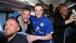 Jamie Vardy lookalike Lee Chapman with Jamie Vardy