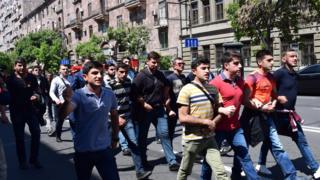 Участники протестов в Ереване