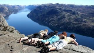 నార్వే దేశంలో జీతాలు ప్రభుత్వ ఉద్యోగుల జీతం Income Tax Transparency Norway salary