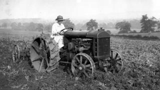 woman-ploughing-with-fordson-tractor.