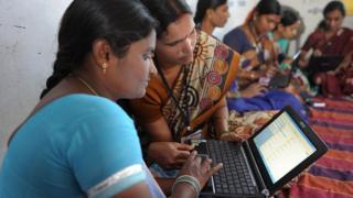 নারী, সঞ্চয়, অর্থনীতি, ভারত, হায়দ্রাবাদ, মার্চ ৭, ২০১৩,